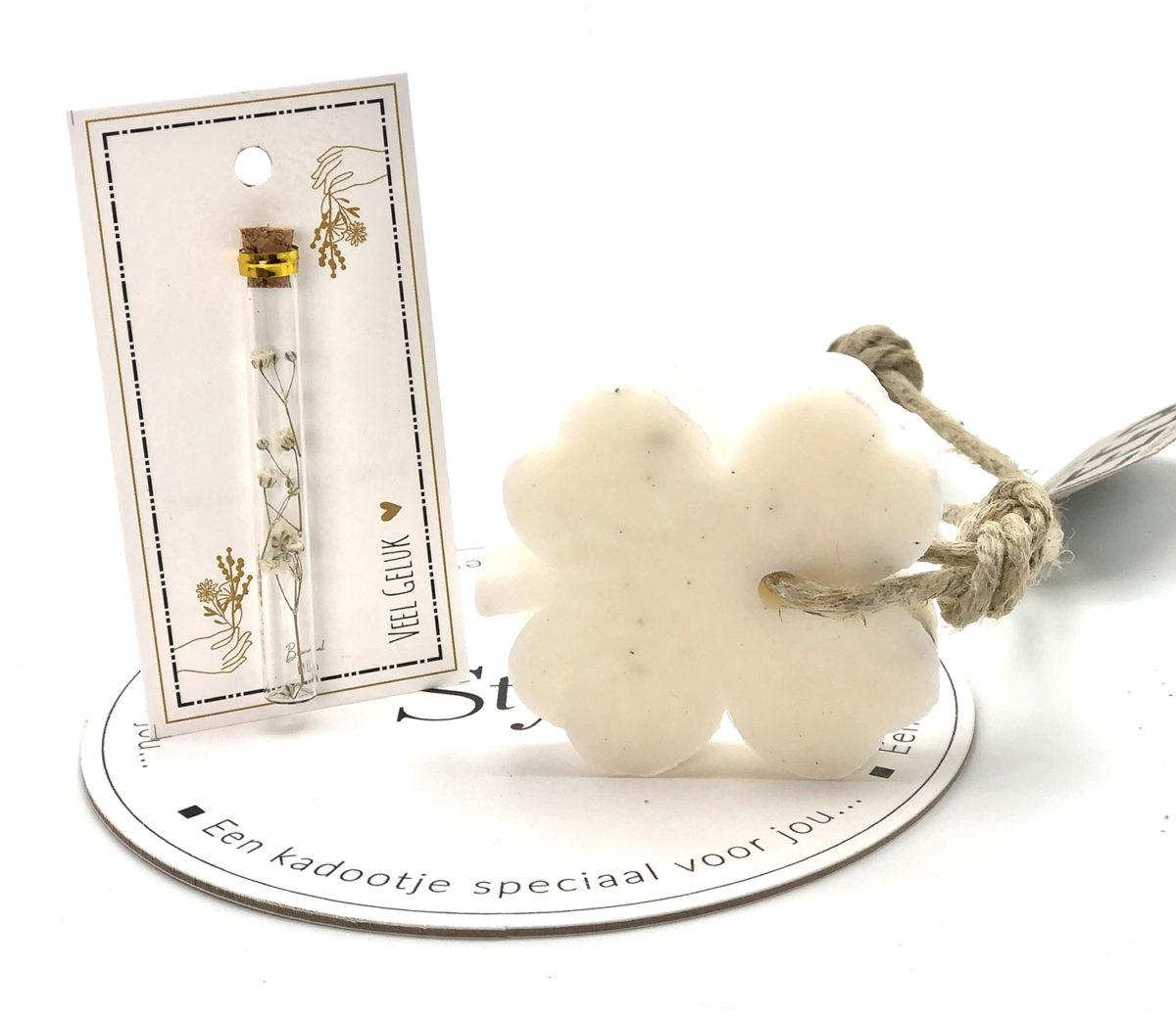 Stylin cadeau artikelen Rijnsburg een kadootje speciaal voor jou geurkaarsjes met droogbloemen